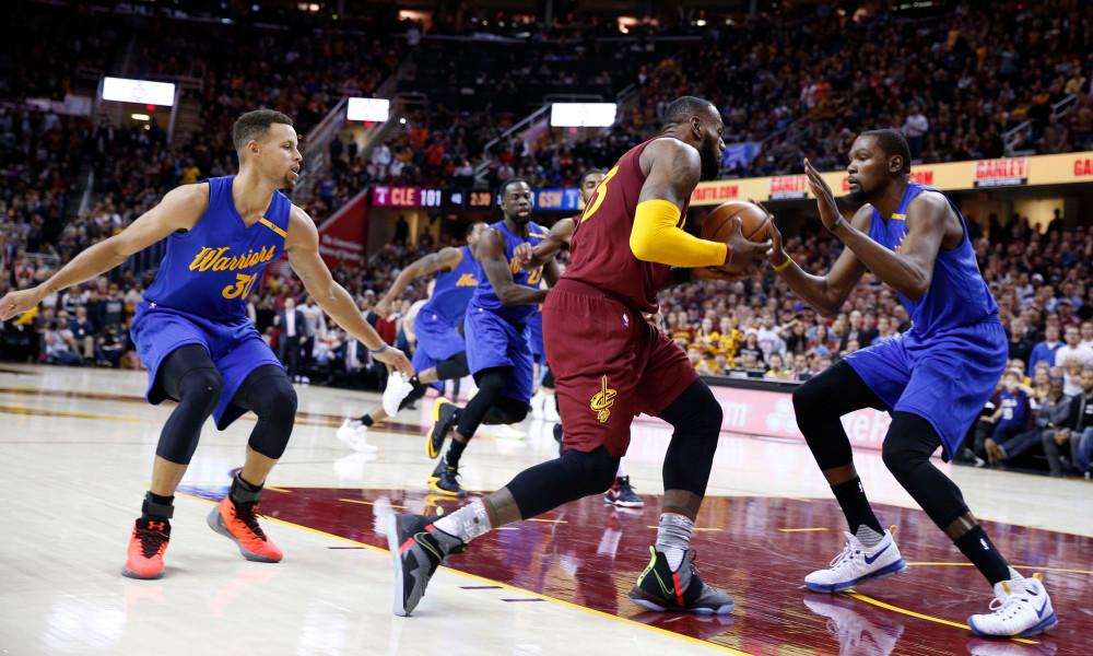 NBA Finals betweem gsw and cavs