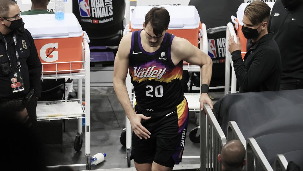 Dario Saric of the Phoenix Suns Injury update