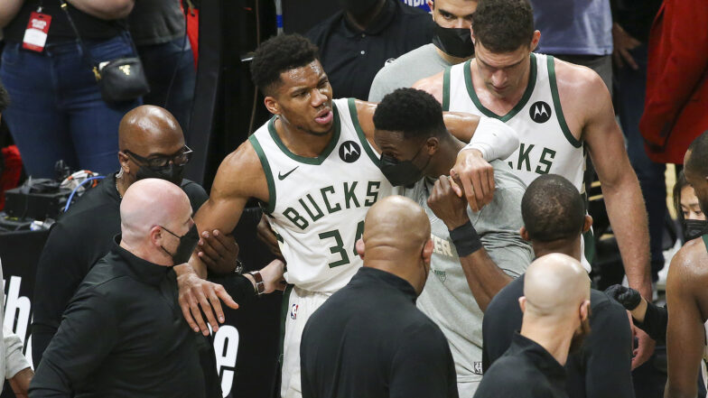 Milwaukee Bucks Giannis injured