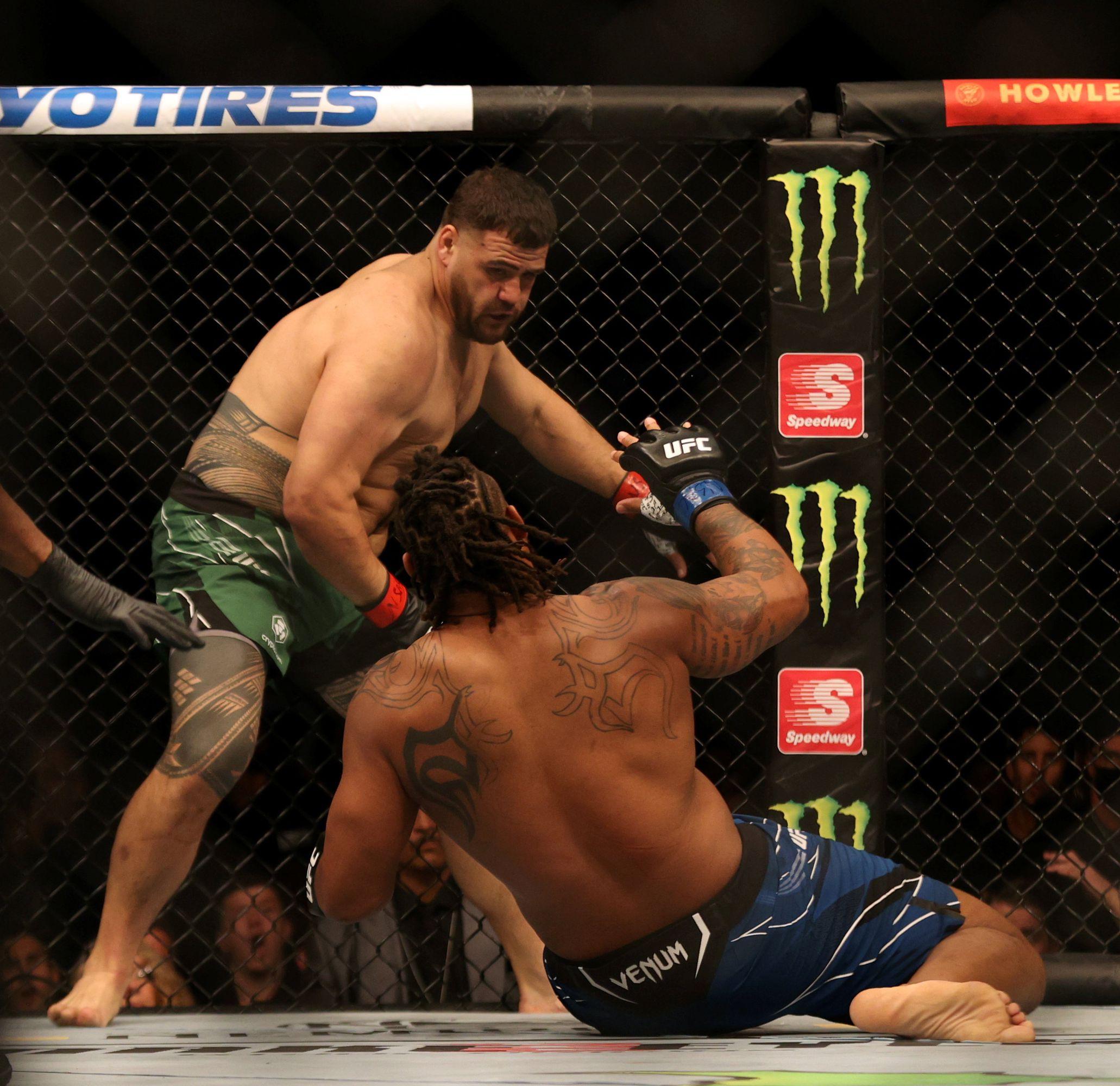 Tai Tuivasa knocks out Greg Hardy